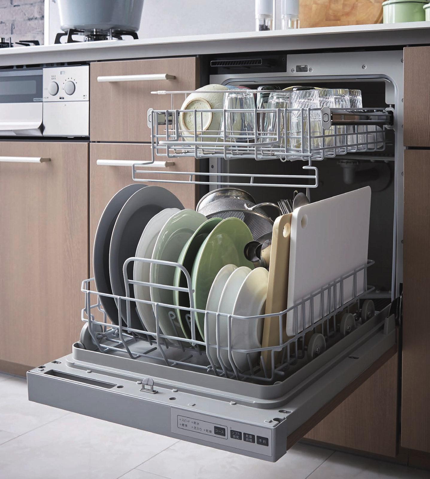 「「通いかご」で出し入れがとっても手早く、カンタン。大きな調理器具もおまかせ」