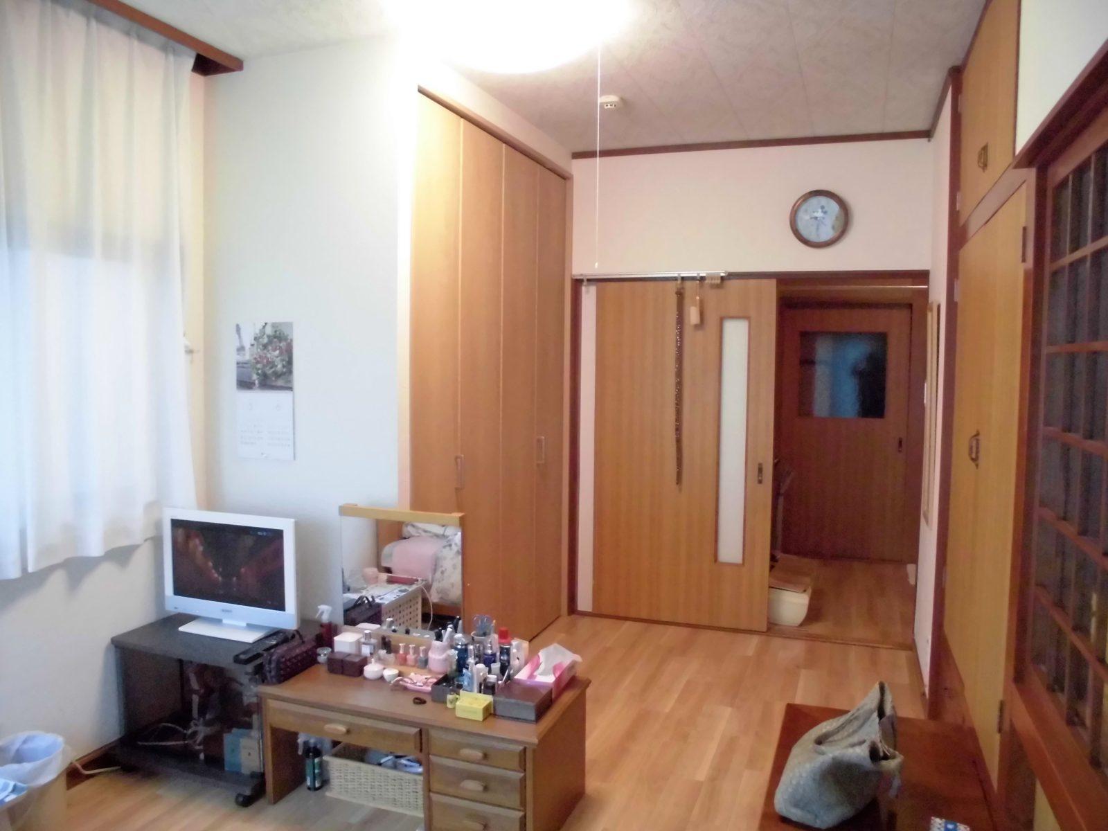 2階洋室 床・壁張り替えリフォーム