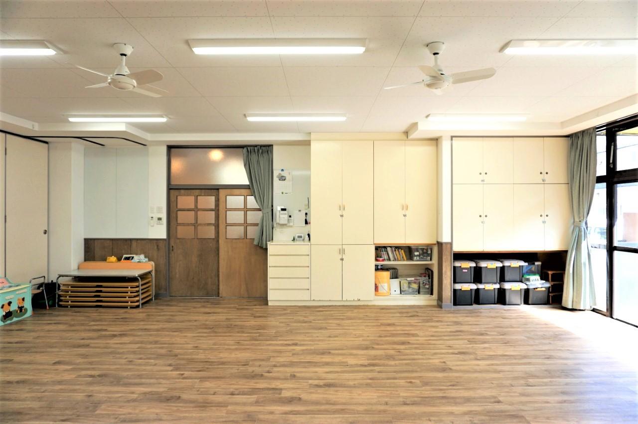 シンプルで明るい保育室2