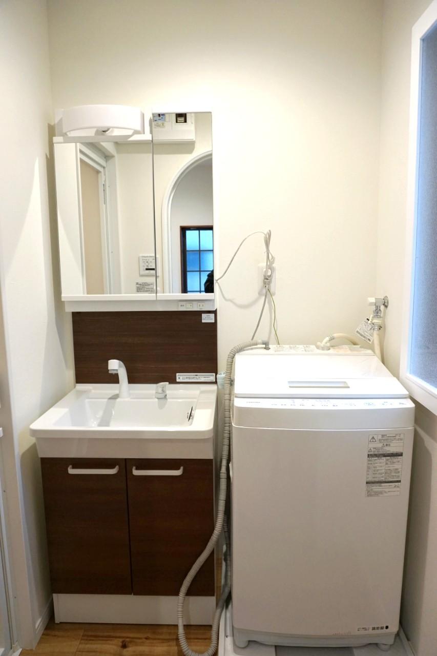 コンパクトな洗面化粧台