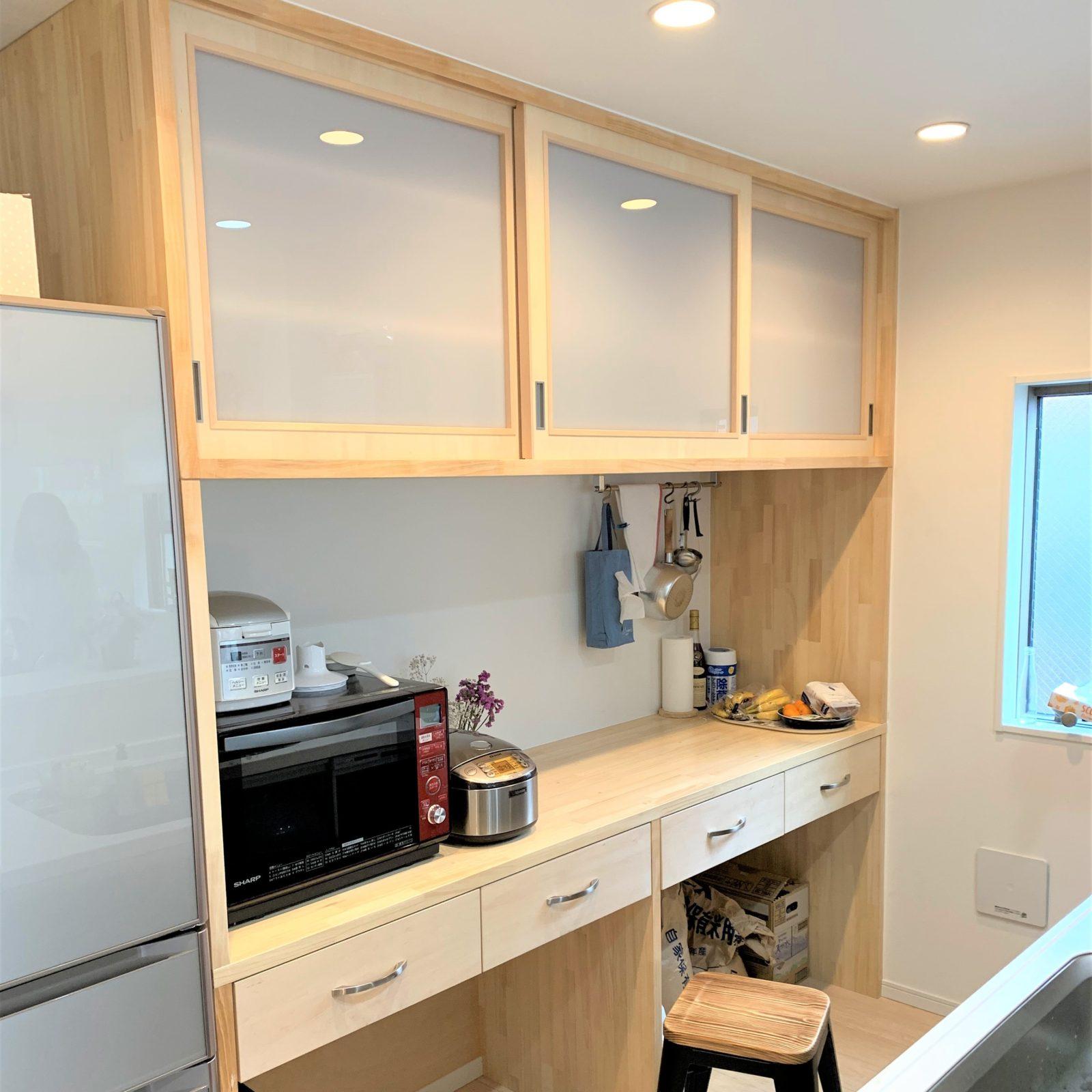 ¥30万~PC作業もできるスペースを拡張するキッチンカウンター