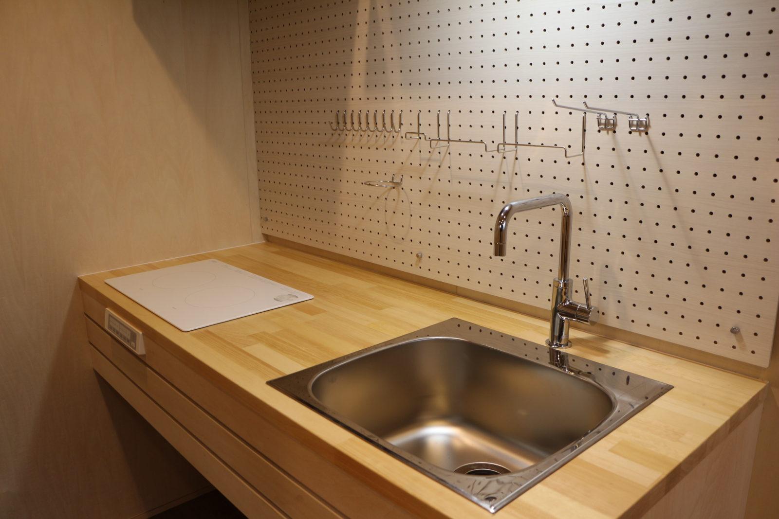 ¥20万~フックや棚位置を気分で変えられる飾るキッチン