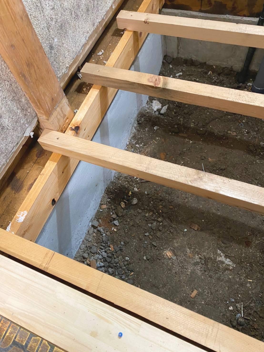 洗面室ー基礎改修、床下地工事の様子