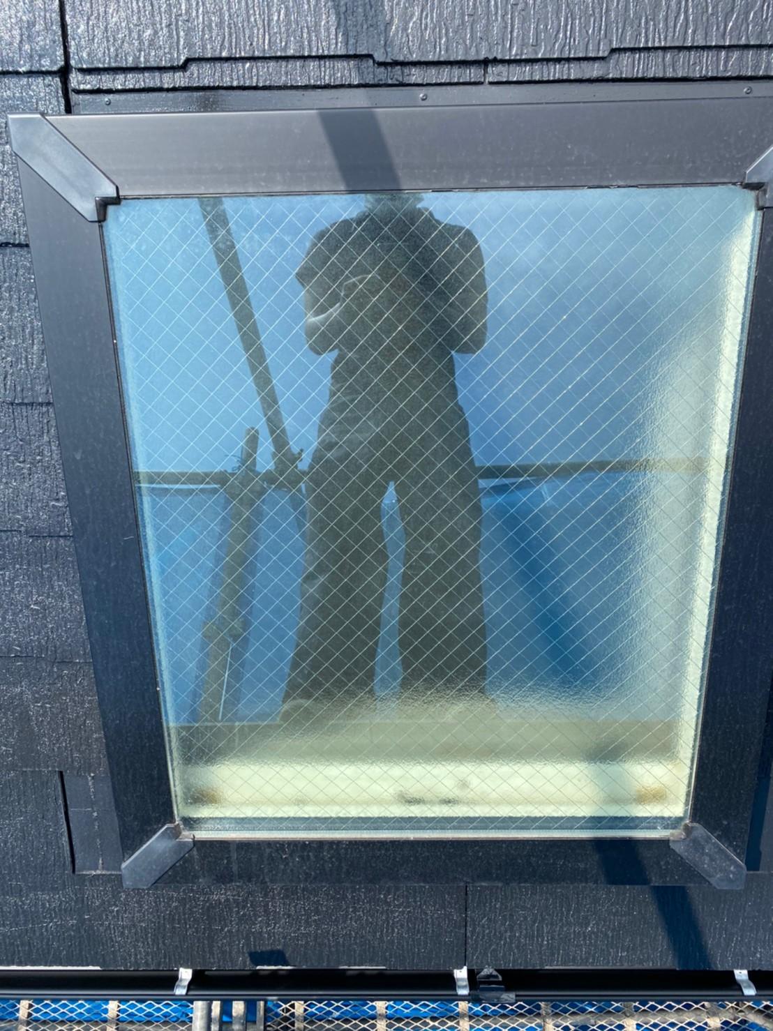 天窓ガラスひび割れ修理
